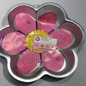 Wilton Daisy Flower Cake Pan Rounded 2007 New